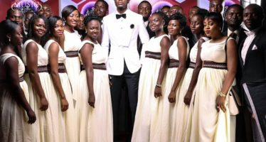 Amazing PHOTOS of Rapper E.L Before, During and After the VGMAs