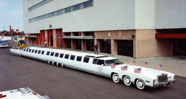 PHOTOS of the World's Longest Car with a King-sized Water Bed